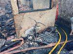Motor Ludes Terbakar di Kebon Pala, Driver Ojek Online Ini Pasrah