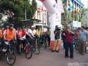 Minggu Pagi, Darmin Selenggarakan Sepeda Santai