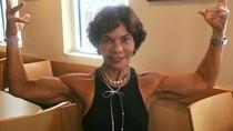 Tua-tua Keladi! Nenek Ini Sukses Jadi Bodybuilder di Usia 71 Tahun