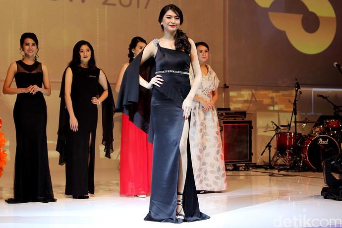 Miss Auto Show 2017 Bikin Mata Lelaki Tak Berkedip