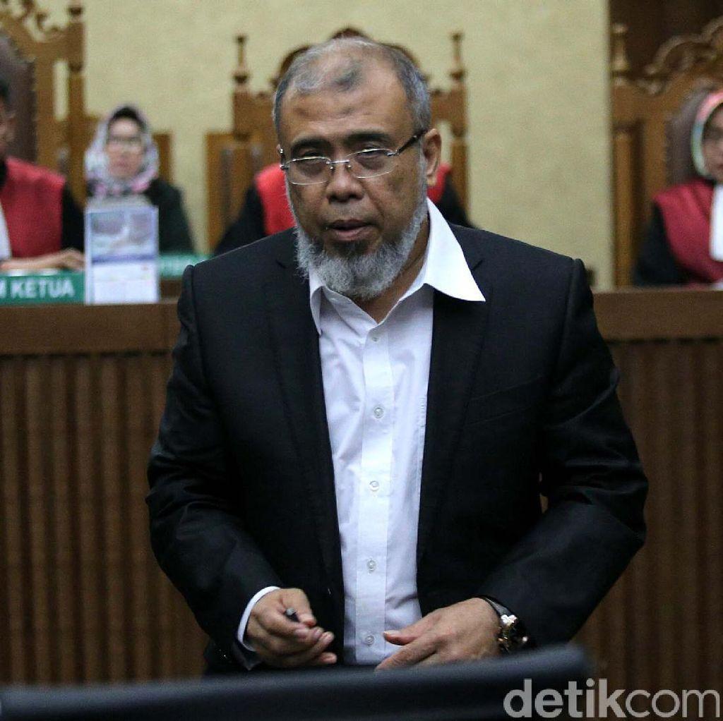 Patrialis Akbar Protes Tuntutan Jaksa