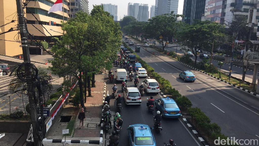 Grab Kaji Pelarangan Motor di Rasuna Said dan Sudirman