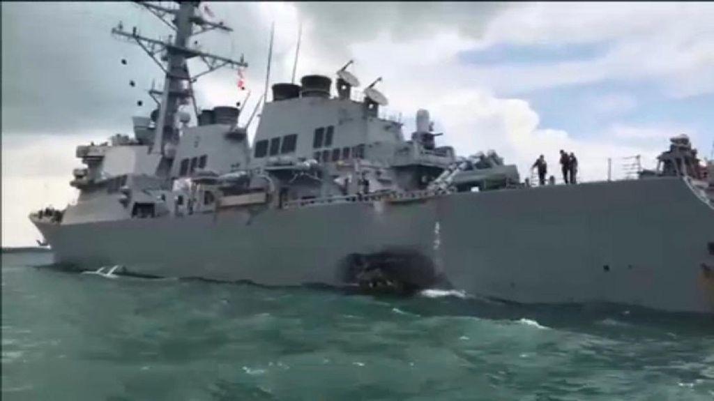 Kapal Perang AS Tabrakan dengan Kapal Tanker, Komandan AL Dicopot