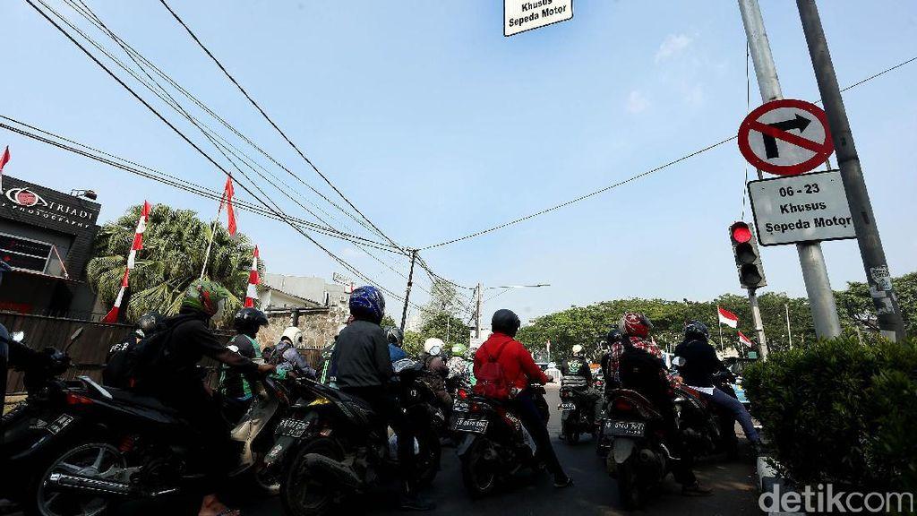 Mau Larang Motor Masuk Sudirman dan Rasuna? Tunggu LRT dan MRT Beres