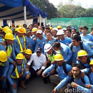 3.255 Tukang Bangunan Sampai Mandor Dapat Sertifikat Profesi