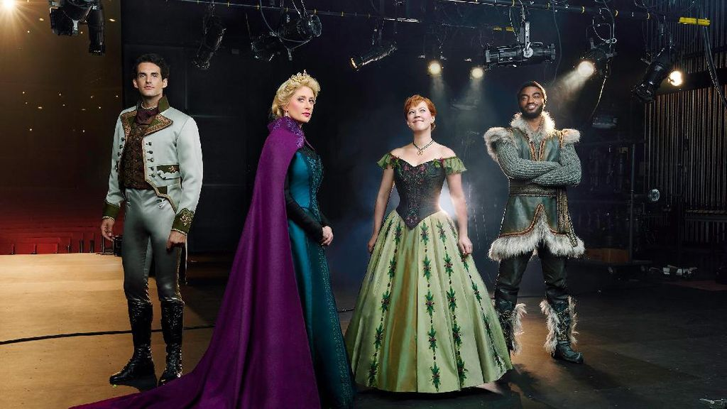 Drama Musikal Frozen Disambut Antusias Publik