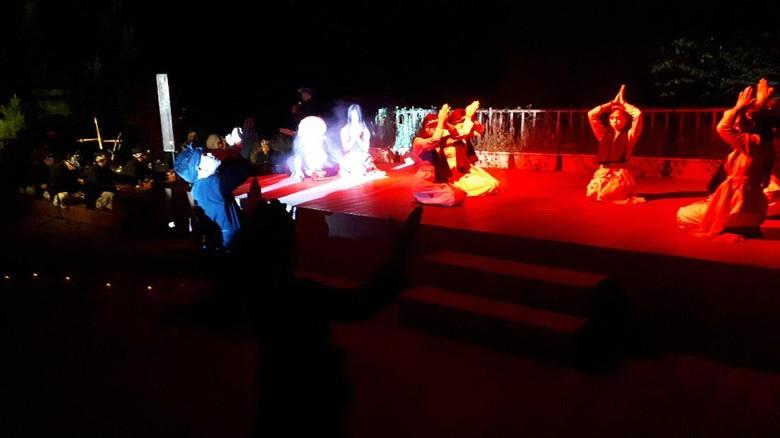 Pentas drama di The Lodge Maribaya (Mukhlis Dinillah/detikTravel)