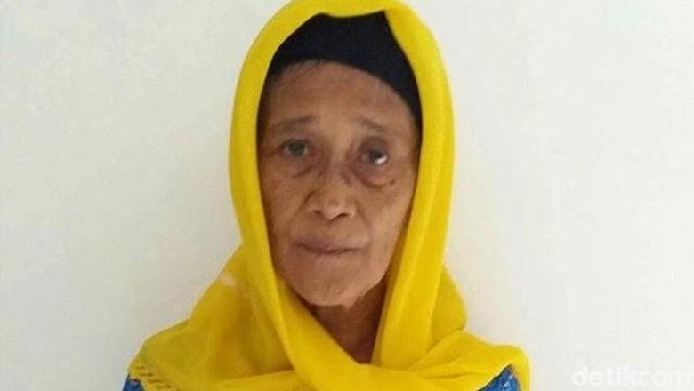 Ada yang Mau Bantu Nenek Korban First Travel Ini Pergi Umrah?