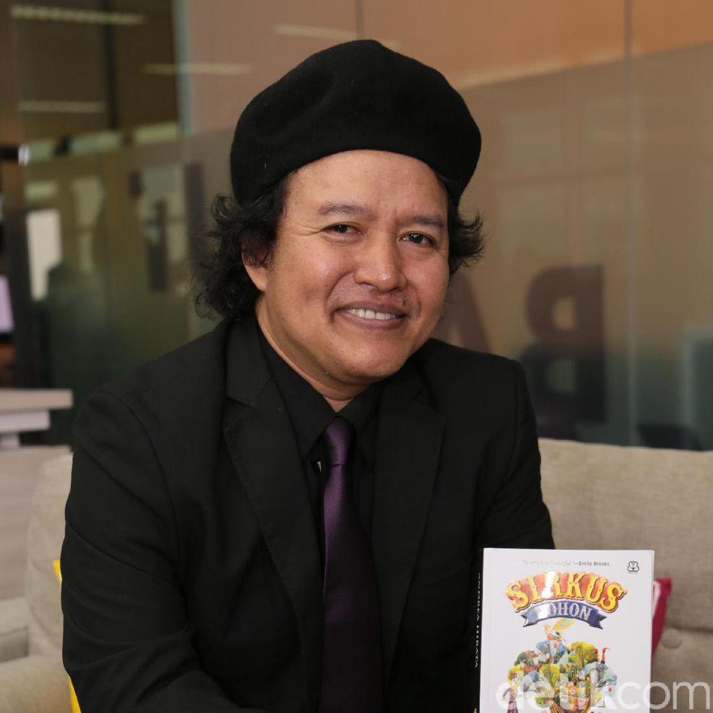 Andrea Hirata Komentari Laku atau Tidaknya Novelnya di Mancanegara