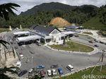 Ekspor-Impor di PLBN Entikong Terhalang Bukit