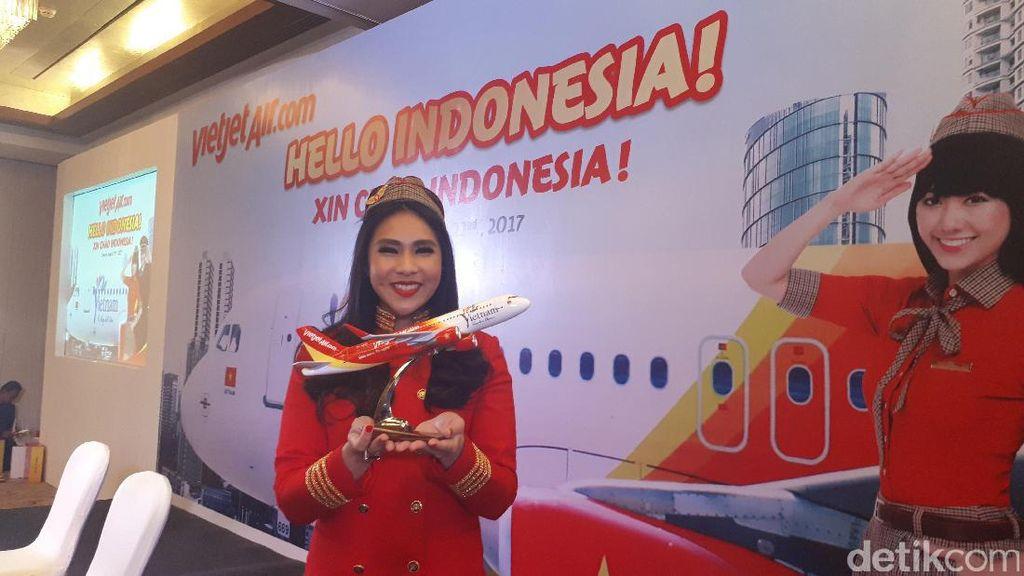 Terbangi Langit RI, Pramugari VietJet Air Tak Pakai Bikini