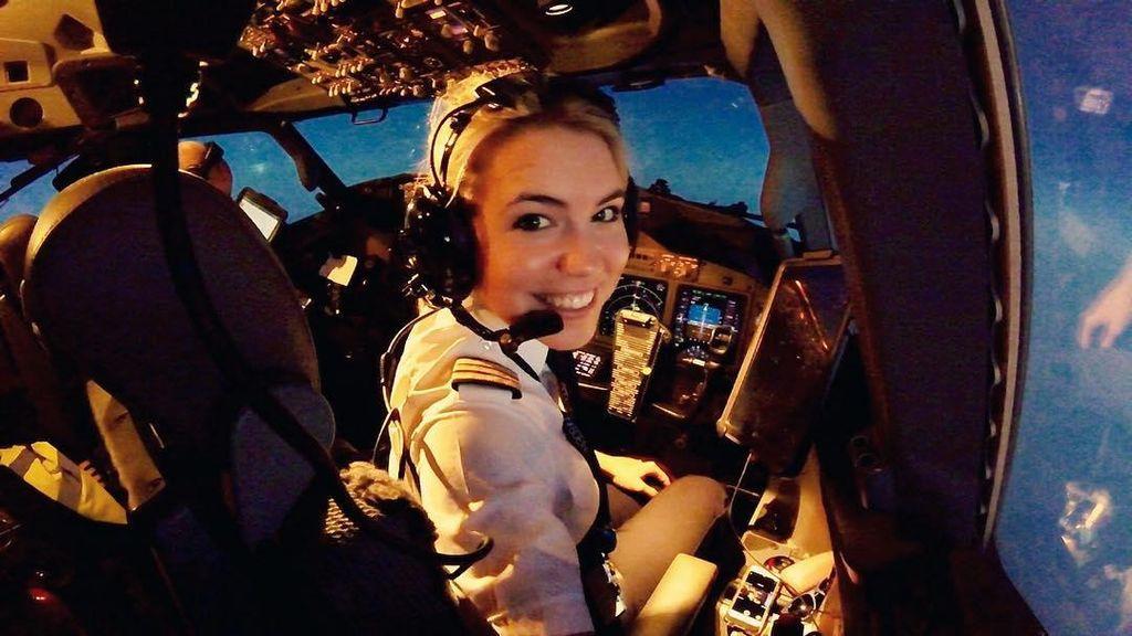 Foto: Kenalan Sama Pilot Cantik dari Belanda