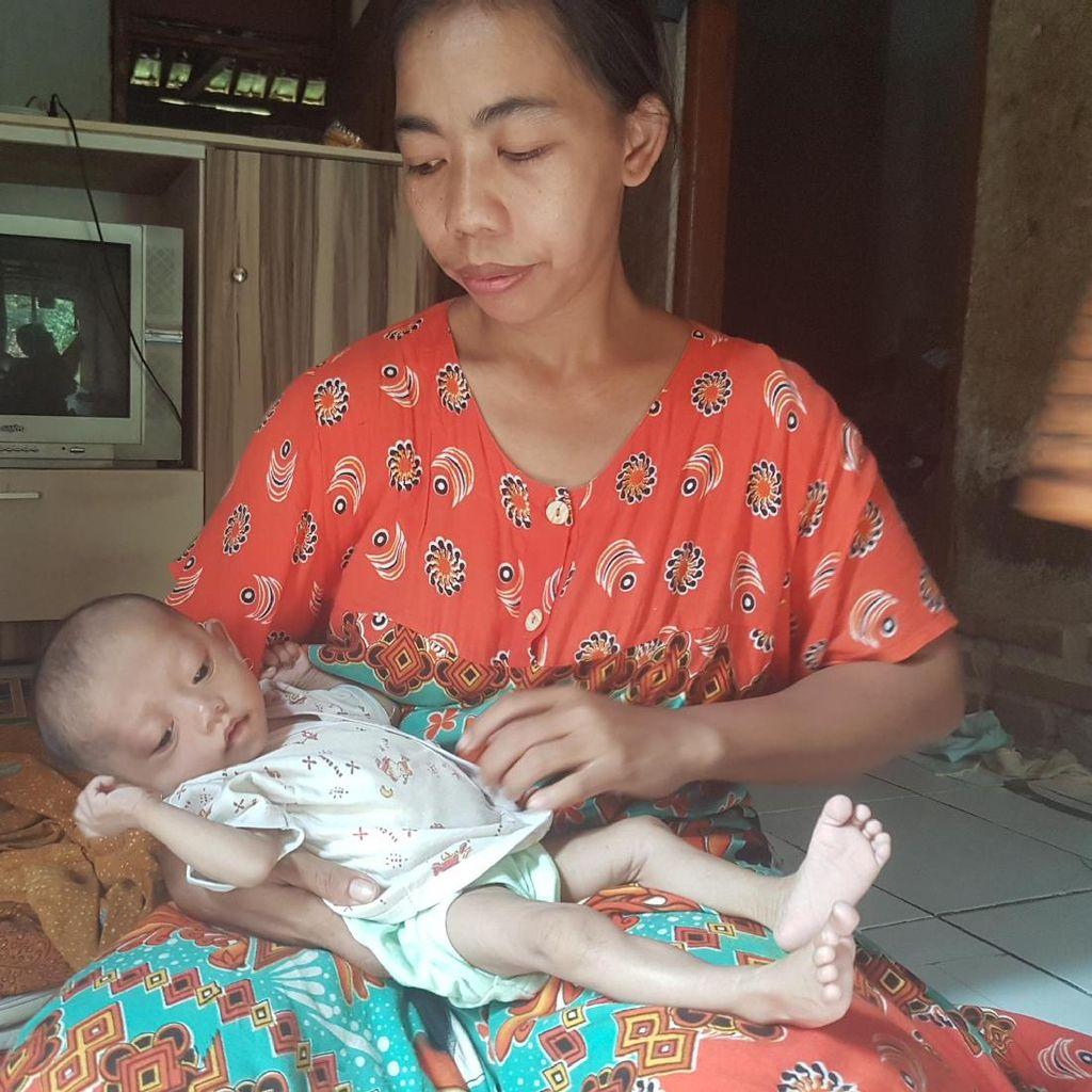 Tak Punya Biaya, Ibu di Serang Tak Mampu Biayai Berobat Anaknya