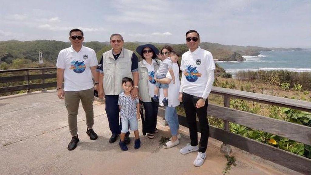 Pulang Kampung, SBY Wisata ke Pantai di Pacitan