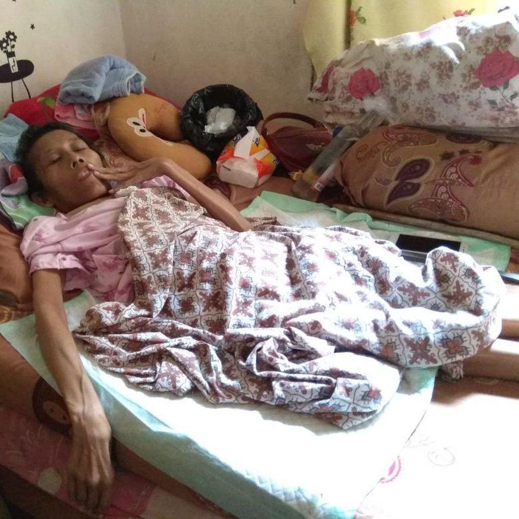 Lusia, Pengidap Kanker Payudara Kaget Dicerai Suaminya Lewas SMS