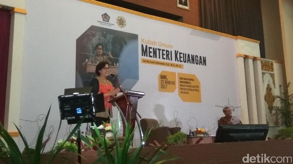 Sri Mulyani Beri Kuliah APBN ke Ratusan Mahasiswa UGM