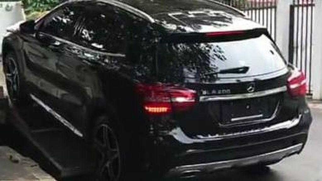 Hadiah Mercy Baru untuk Dul, Deretan Kendaraan Mewah Raffi Ahmad