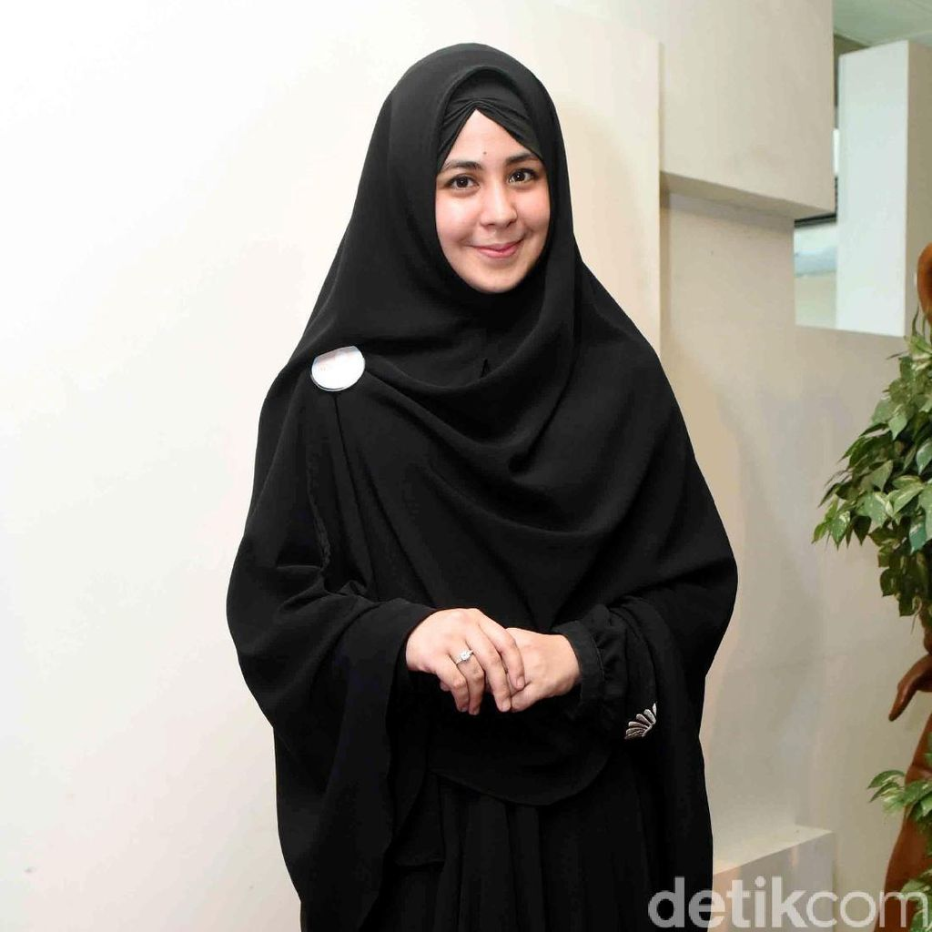 <i>Sisterhood</i>! Dukungan Risty Tagor untuk Indadari