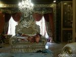 Mewah! Kamar Tidur Bos First Travel Bak Singgasana Raja dan Ratu