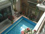 Kolam Renang yang Melengkapi Kemegahan Istana Bos First Travel