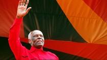 Kisah Anak Tukang Batu yang Jadi Presiden Angola Selama 38 Tahun