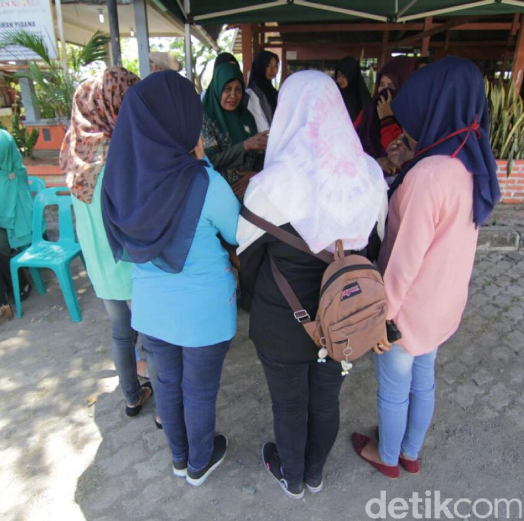 65 0rang Terjaring Razia Busana di Aceh