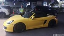 Polisi: STNK Porsche yang Ditilang Tak Sesuai Rangka Mesin