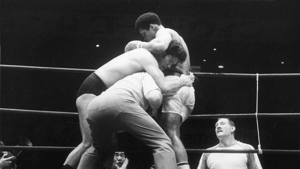 Muhammad Ali vs Antonio Inoki Sebagai Pendahulu Mayweather vs McGregor