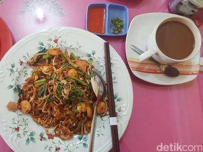 Sarapan Ala Pekanbaru: Mie Sagu, Roti Kaya & Kopi Susu