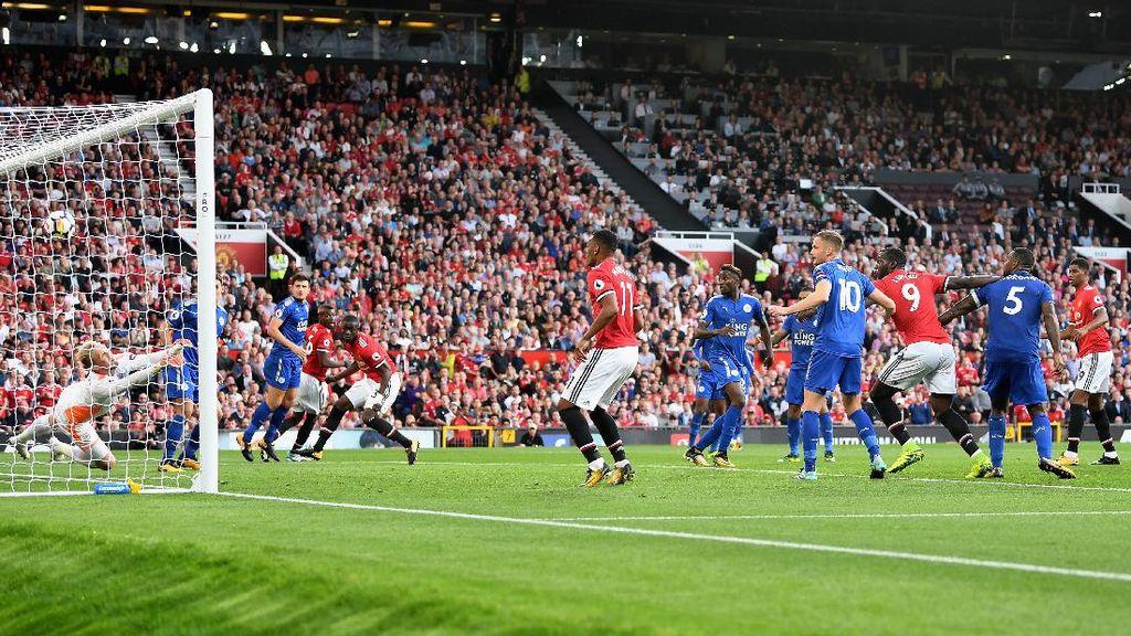 MU Kalahkan Leicester 2-0