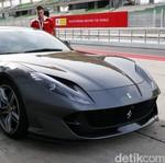 Menjinakkan Ferrari 812 Superfast, Ferrari Tercepat Saat Ini