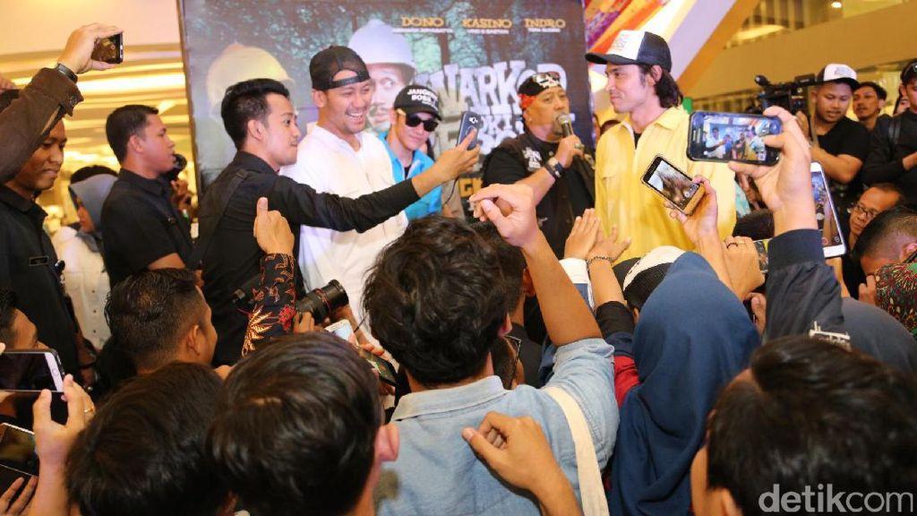 Jangkrik Boss! Cast Warkop DKI Reborn Sapa Penggemar di Makassar