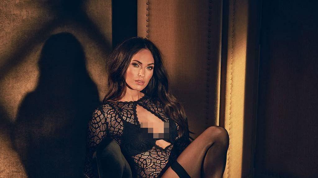 Hot Mama! Megan Fox Seksi Berbalut Lingerie