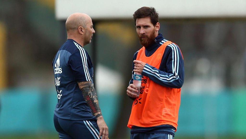 Sampaoli Tanggapi Rumor Tak Akur dengan Messi
