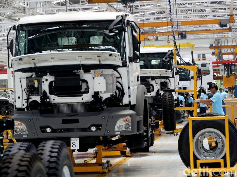 Truk Mercedes-Benz Rakitan Indonesia Belum Punya Harga Jual