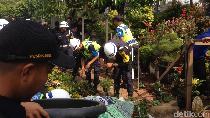 Pedagang Bunga di Trotoar Klaim Dapat Restu, Ini Kata Pemkot Jaktim