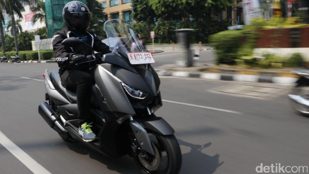Yamaha Kembali Buka Inden Online XMAX 250 cc