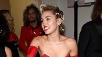 Penyesalan Miley Cyrus Masalah Donald Trump dan Bola Merusak &quot;title =&quot; Miley Cyrus Menyesalkan Masalah Donald Trump dan Bola Merusak &quot;class =&quot; &quot;/&gt; </a> </div> </div> </article> </li> <li> <article> <div class=
