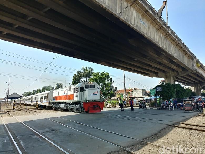 Perlintasan Kereta di Kircon dan Cimindi Ditutup Mulai Desember