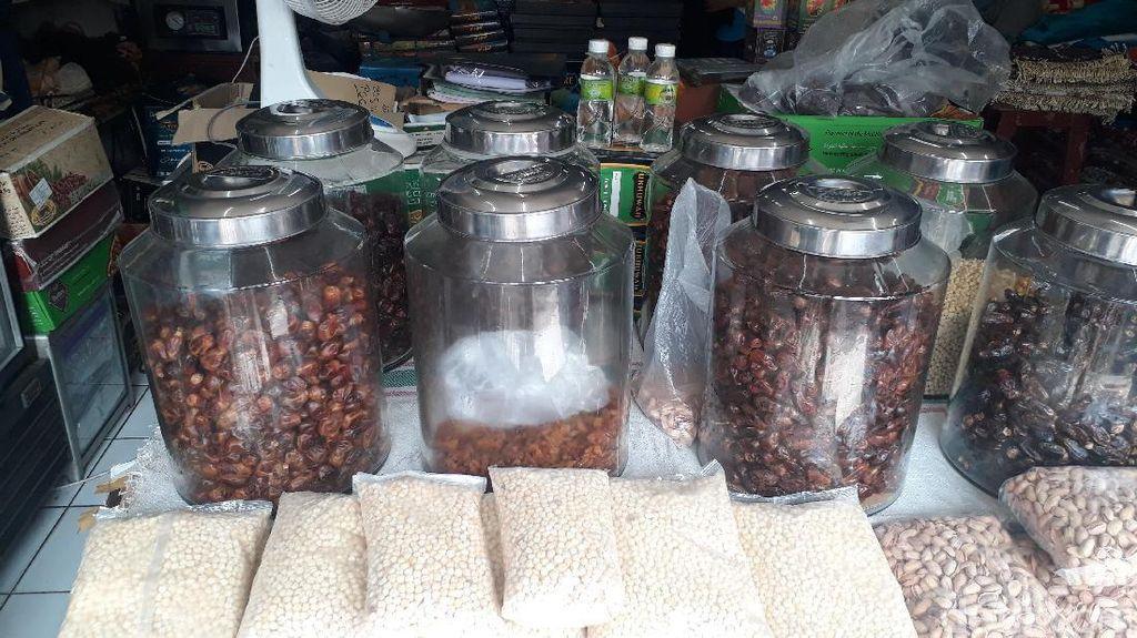 Belanja Oleh-Oleh Haji di Tanah Abang Perlu Siapkan Duit Berapa?