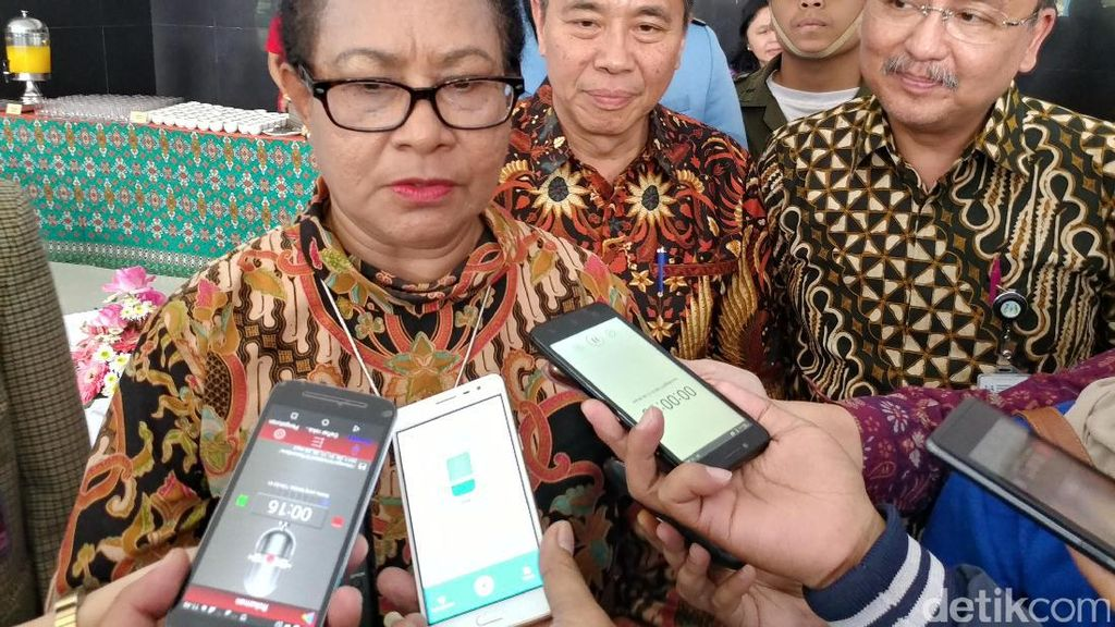 Menteri Yohana Terima Usul Suami Ikut Cuti 6 Bulan Melahirkan