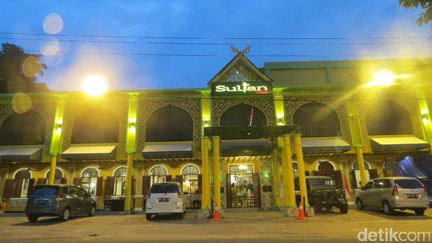 Tampak depan Sultan Resto (Fitraya/detikTravel)
