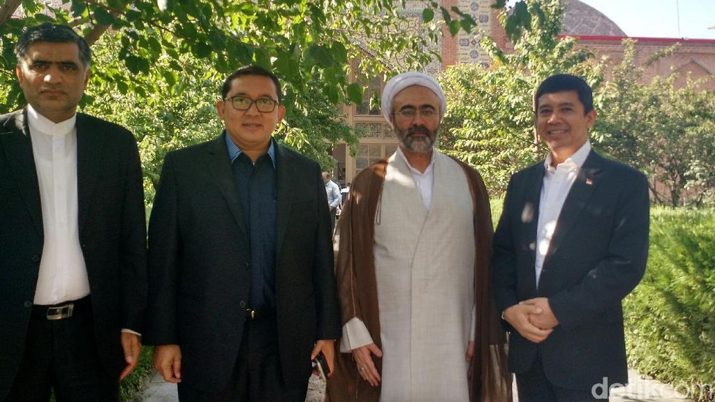 Idul Adha, Fadli Zon Kunjungi Blue Mosque Yerevan Armenia