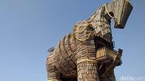 Libur Idul Adha ke Probolinggo, Lihatlah Patung Kuda Raksasa