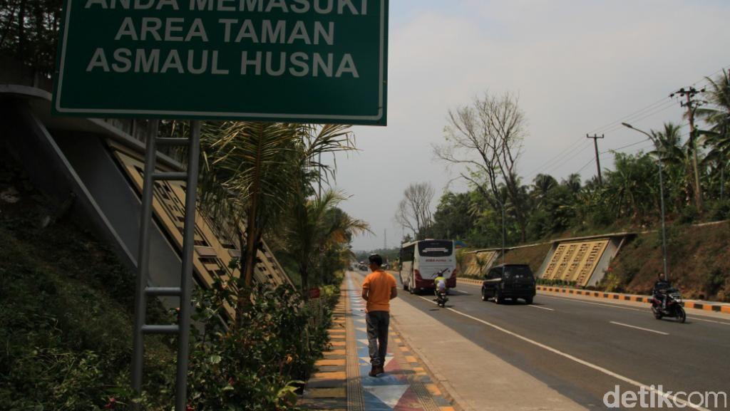 Unik! Ada Taman Kaligrafi Raksasa di Cianjur