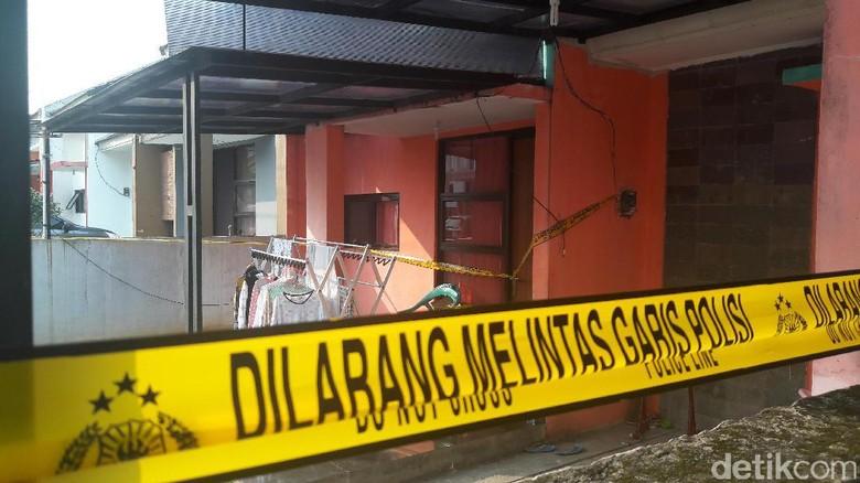 Saksi Sempat Lihat Suami Pegawai - Bogor Polisi masih mencari suami Indria Kameswari pegawai Balai Diklat Badan Narkotika Nasional yang tewas di Suami Indria