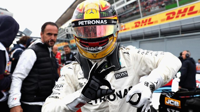 Hamilton Patahkan Rekor Pole Milik Schumacher