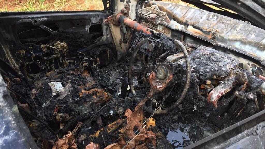 Simpan Powerbank Bisa Bikin Mobil Terbakar? Ini Kata Honda