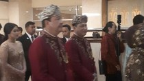 Buwas-BG Kenakan Pakaian Khas Minang di Resepsi Pernikahan Anaknya