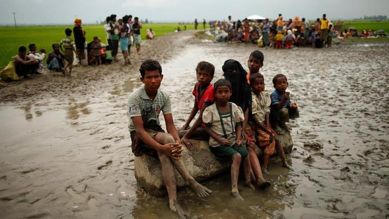 Rohingya Menderita Perlu Solusi Abadi - Ankara Menteri Luar Negeri Mevlut menyerukan adanya solusi abadi bagi krisis Cavusoglu menegaskan Turki tidak akan meninggalkan Rohingya